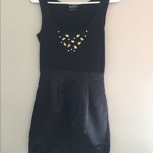 Black Dress W/ Beaded Detail W/ Pockets